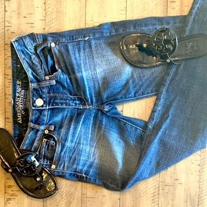 AMEEICAN EAGLE SKINNY JEANS SIZE2